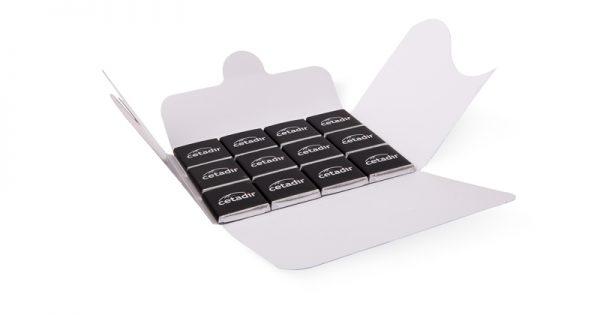 Pochette de 12 chocolats personnalisés 4