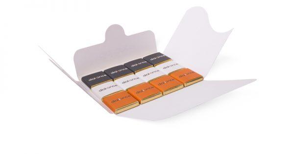 Pochette de 12 chocolats personnalisés 3