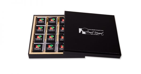 Coffret prestige de 32 chocolats personnalisés 3